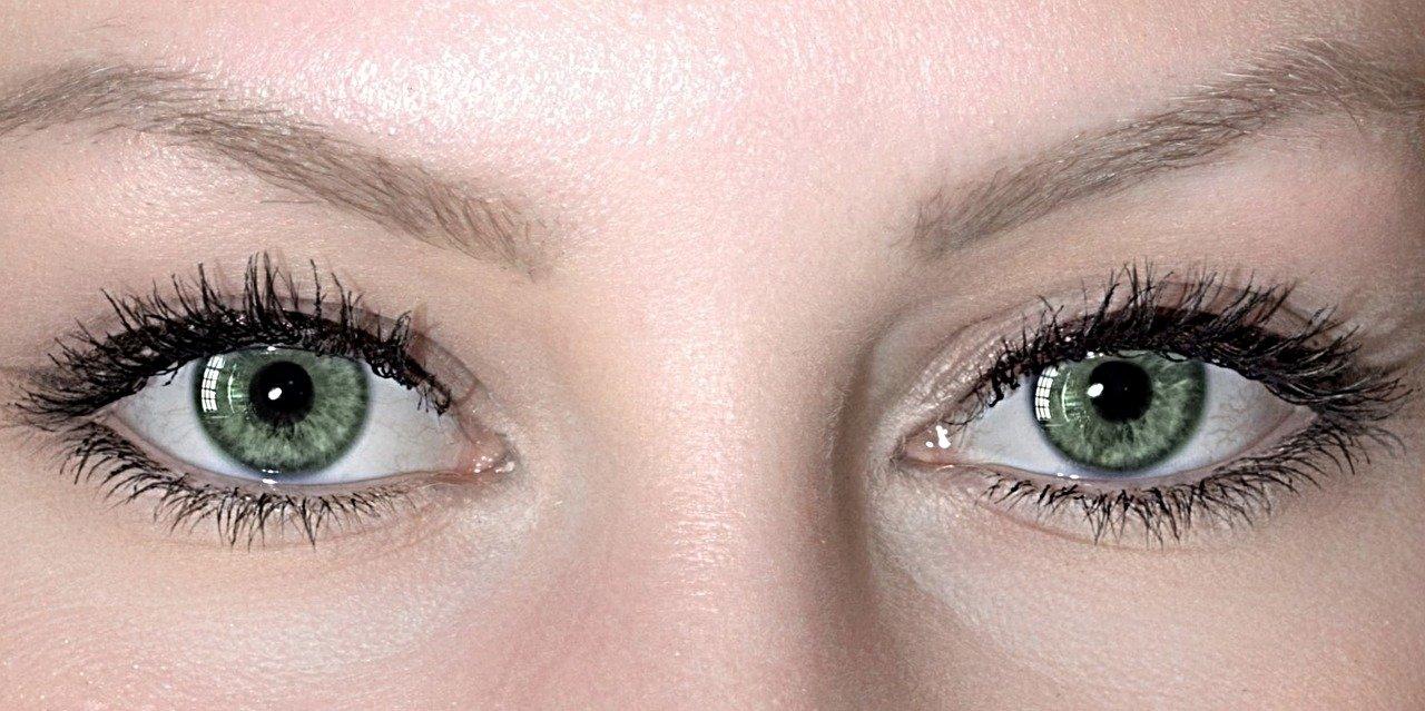 eyes-4079944_1280